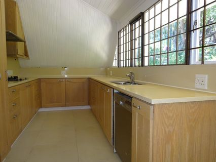 R 18,000 - 2 Bed House To Rent in Hout Bay
