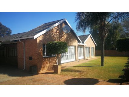 R 1,290,000 -  Home For Sale in Mayville