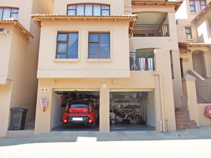 R 1,450,000 - 3 Bed Flat For Sale in Sunnyrock