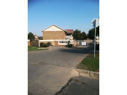 R 7,950 - 2 Bed Apartment To Rent in Celtisdal