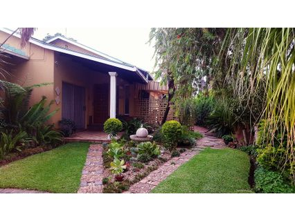 R 1,290,000 - 4 Bed Property For Sale in Mountain View