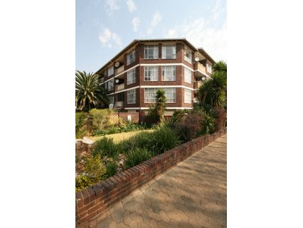R 530,000 - 1 Bed Apartment For Sale in Rouxville