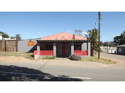 R 660,000 -  Commercial Property For Sale in Hankey