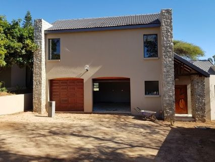 R 3,440,000 - 3 Bed House For Sale in Waterkloof Glen