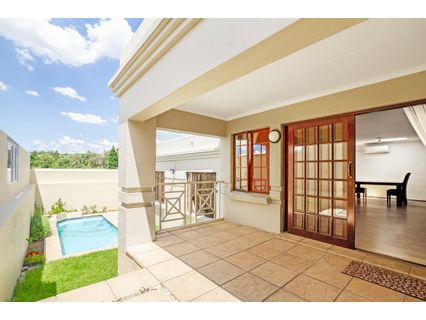 R 2,050,000 - 3 Bed House For Sale in Lonehill