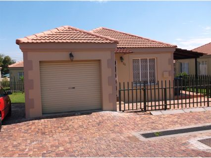 R 1,120,000 - 3 Bed House For Sale in Elandspark