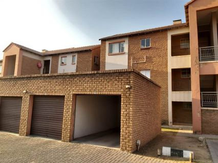 R 650,000 - 2 Bed Property For Sale in Vorna Valley